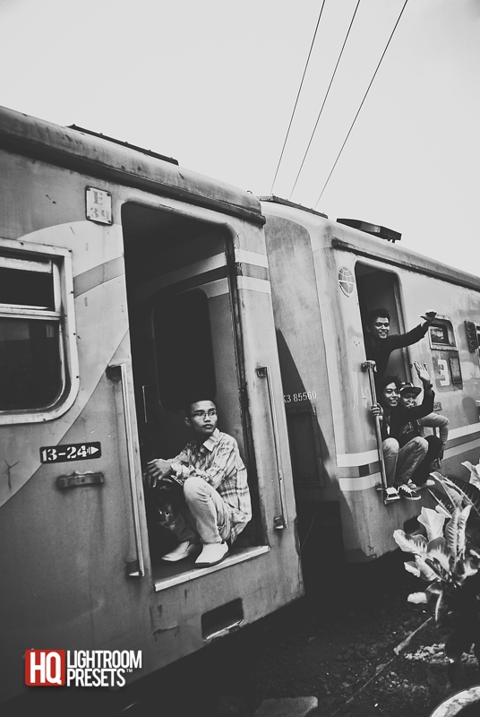 street-photography-candid-train